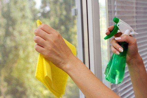نظافت پنجره دوجداره upvc