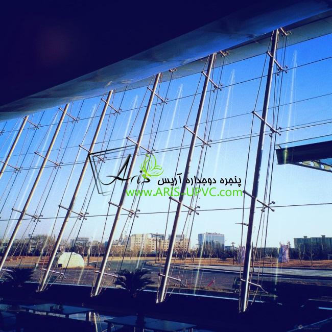 نمای اسپایدر شیشه ای یا عنکبوتی