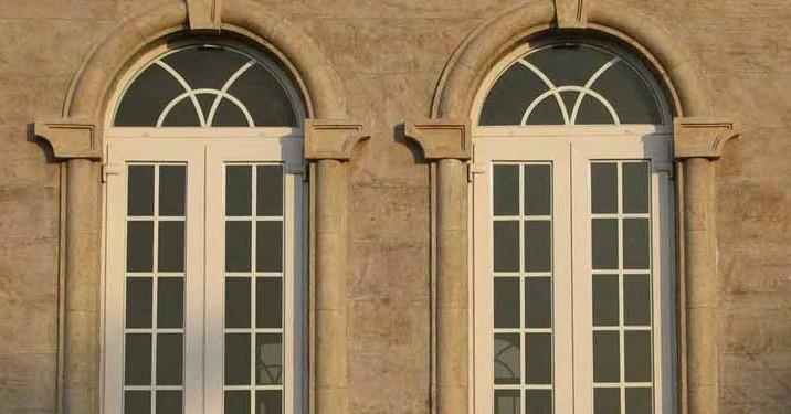 پنجره دوجداره کمانی